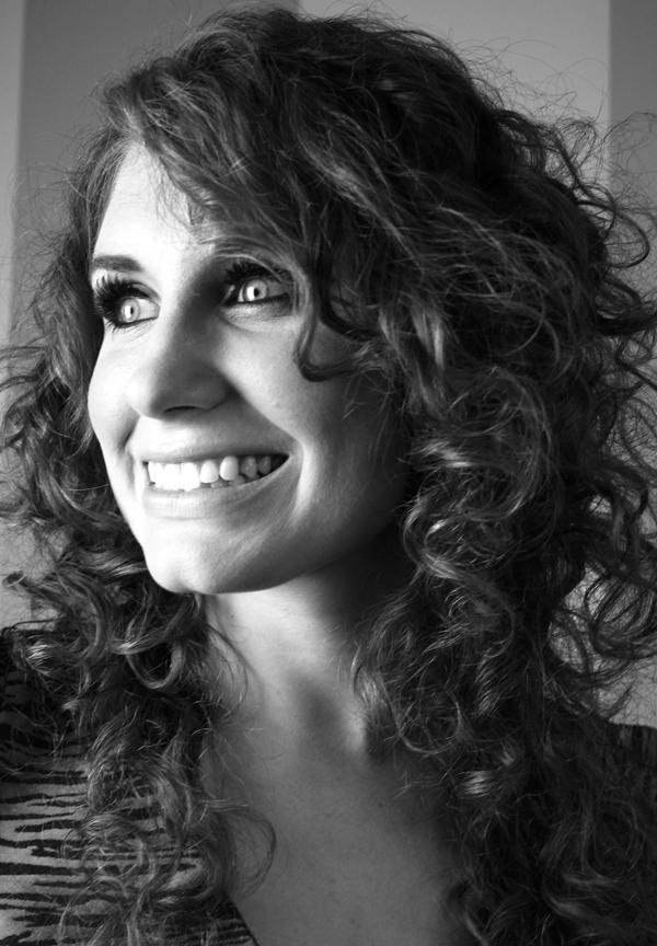 Laura White - professional vocalist